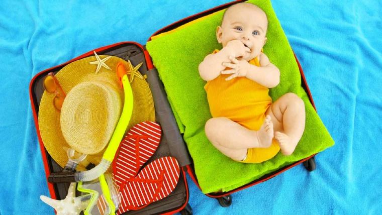 Le lit pliant pour bébé : la solution pour voyager !