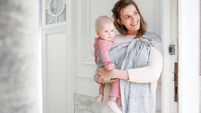 Le porte-bébé BB-sling–> 75,00€